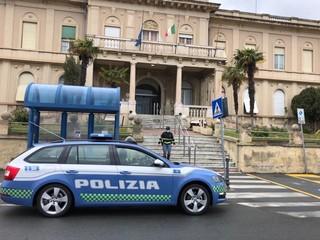 Il 'Bordivolley' gioca una 'partita' per la vita e con la Polizia Stradale consegna due ventilatori polmonari al 'Borea'
